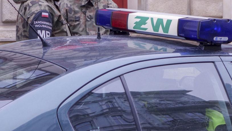 MON: podstawą specjalnego dodatku dla żandarmów są zadania, jakie realizują od kilkunastu lat /Piotr Kamionka /Reporter