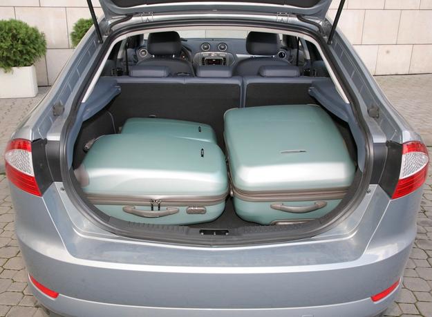 mondeo bagażnik /Motor