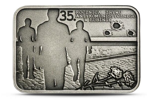"""Moneta """"35. rocznica zrywu antykomunistycznego w Lubinie"""" (rewers) /NBP /INTERIA.PL"""