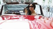 Monica Bellucci: Czerwony? Dywan i Ferrari!