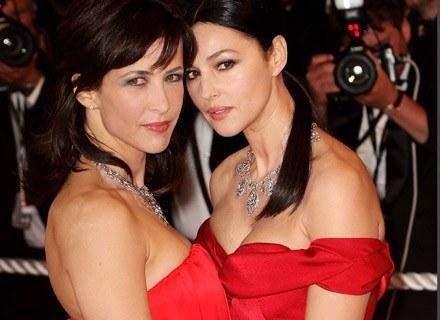"""Monica Bellucci i Sophie Marceau, w przeciwieństwie dla sesjii w """"Elle"""" , w makijażu /Getty Images/Flash Press Media"""