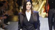 Monica Bellucci w pokazie Dolce & Gabbana w Mediolanie