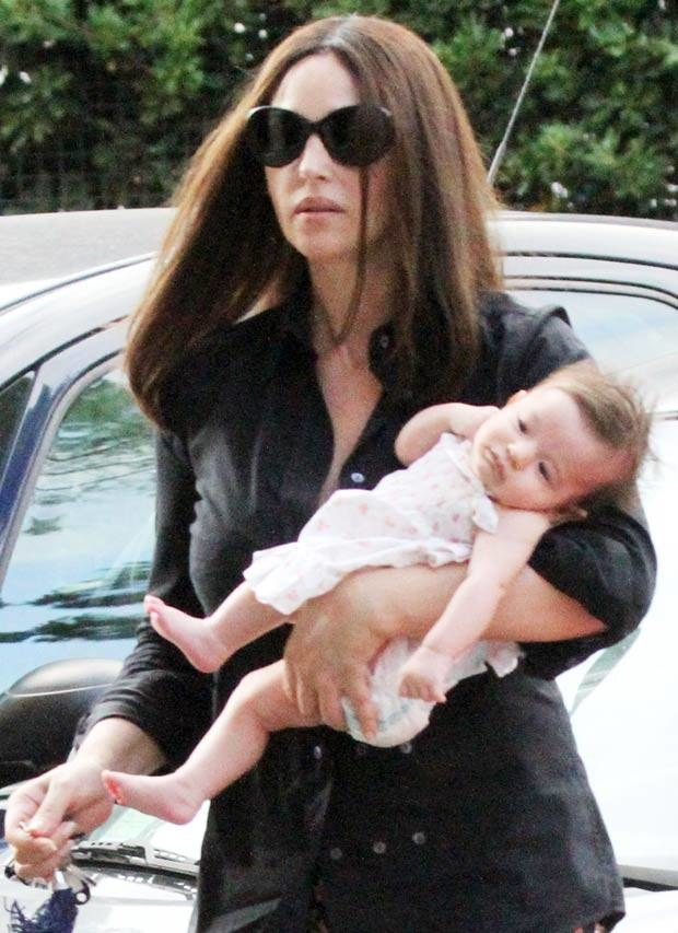 Monica Bellucci z córeczką Leonie  /Splashnews