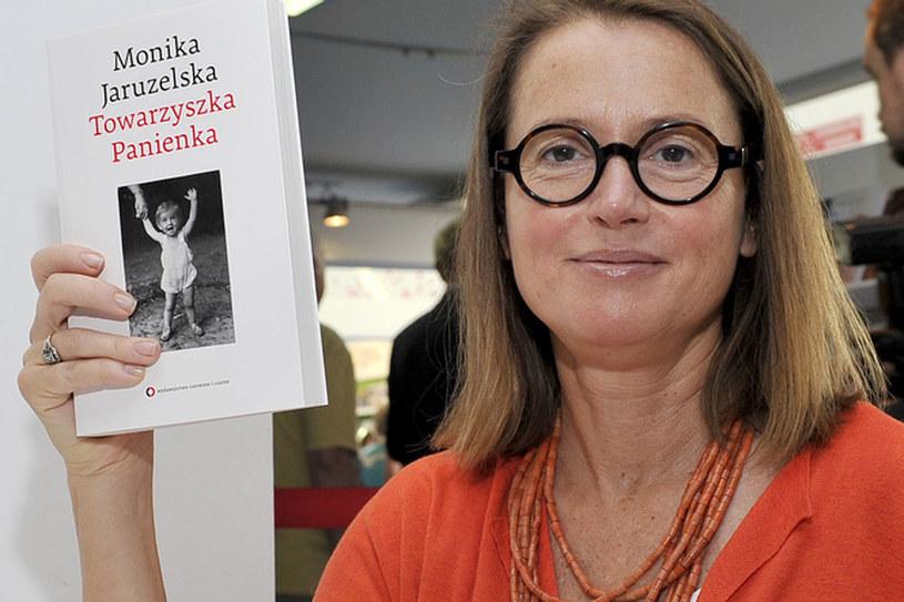 Monika Jaruzelska o swoim dzieciństwie i młodości opowiedziała w książkach /AKPA