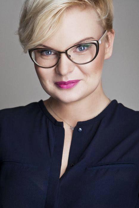 Monika Jurczyk zawsze podkreśla, że każde ubranie niesie ze sobą jakiś komunikat. /Styl.pl