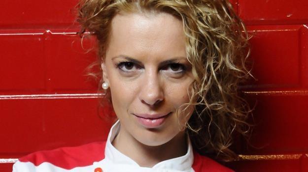 Monika Katreniok już nie musi się przejmować tym, że szef Amaro jej nie lubi... /Polsat