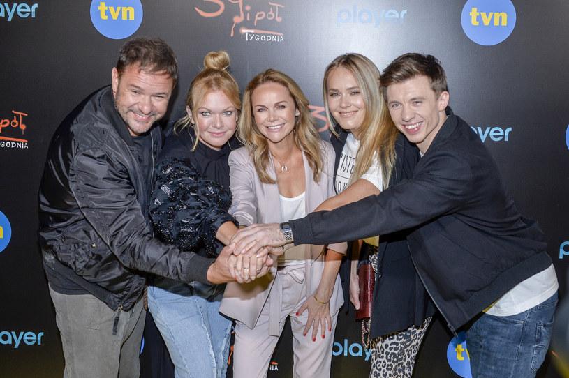 """Monika Krzywkowska i obsada serialu """"39 i pół"""" / Mieszko Piętka"""