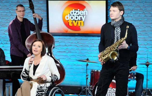 Monika Kuszyńska z mężem (z prawej), fot. Piotr Bławicki  /East News