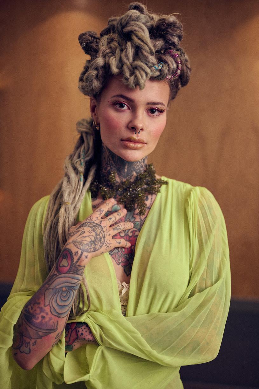 Monika Miller jest rozpoznawalna między innymi dzięki swoim tatuażom /Wojciech Biały/Zostań Jutuberem  /materiały prasowe