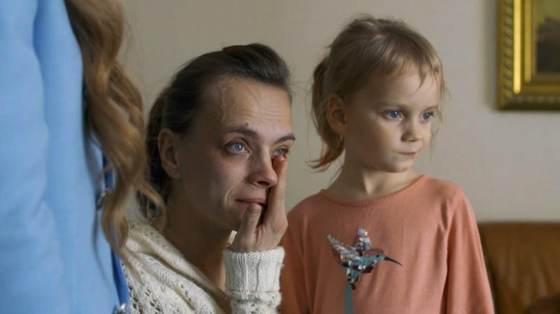 Monika (na zdj. z córką) pomaga w prowadzeniu firmy męża /Polsat