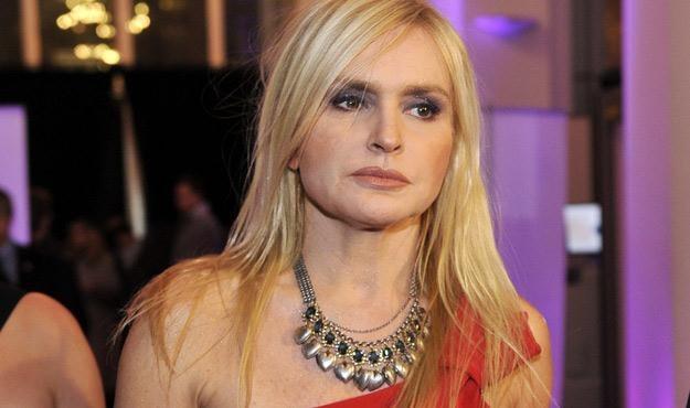 Monika Olejnik lubi także niebanalną biżuterię /AKPA