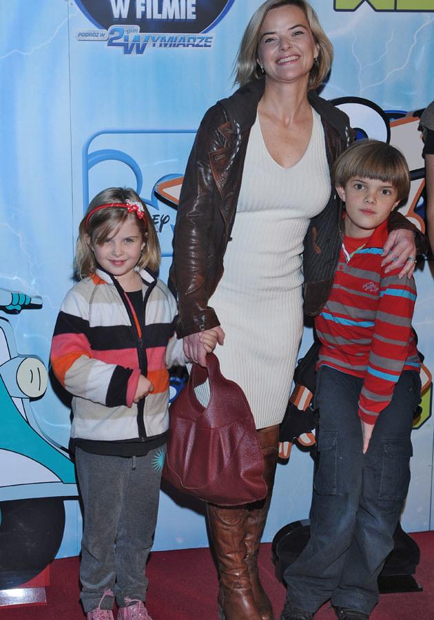 Monika Richardson z synem i córką. /Andras Szilagyi /MWMedia
