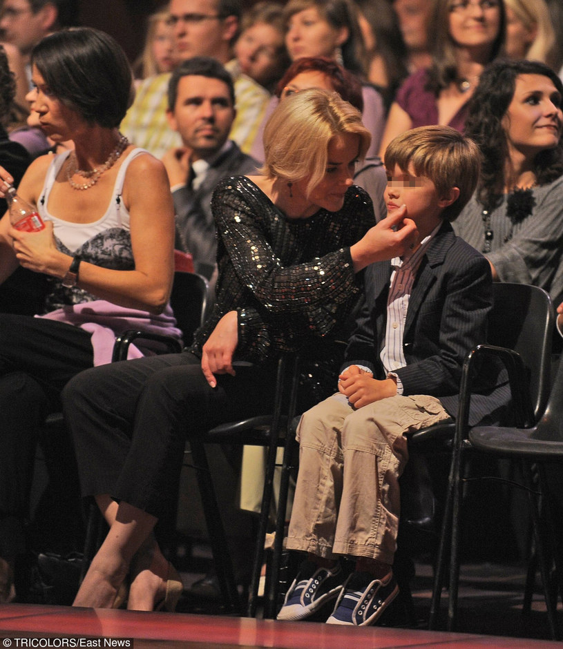 Monika z synem /- /East News