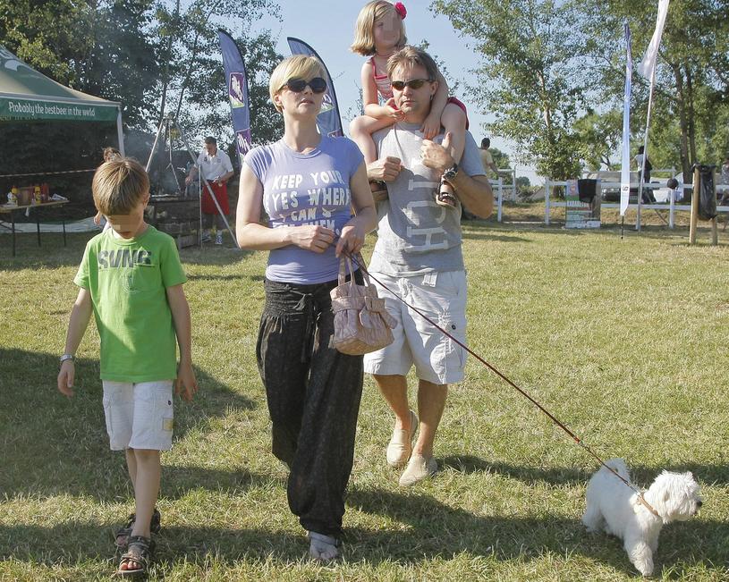 Monika Zamachowska i Jamie z dziećmi - Zosią i Tomkiem w 2010 roku / Engelbrecht /AKPA