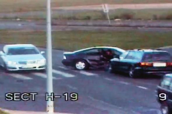 MONITORING czasem kamery zainstalowane przy drodze rejestrują osoby czyhające na kolizję. /Motor