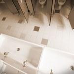 Monitoring w toalecie? Władze gimnazjum bronią swojej decyzji
