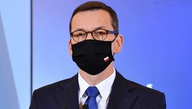 Morawiecki: Idziemy drogą środka, ale zahamowanie zachorowań jest w naszych rękach