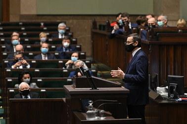 """Morawiecki: Praworządność i jej łamanie stało się w UE """"pałką"""" propagandową"""