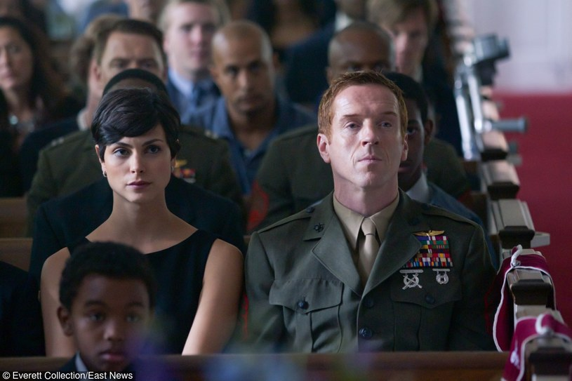 "Morena Baccarin i Damien Lewis w serialu ""Homeland"" /Everett Collection /East News"