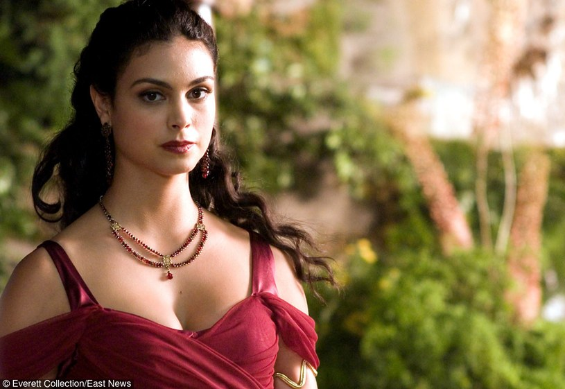 """Morena Baccarin w filmie """"Serenity"""" /Everett Collection /East News"""