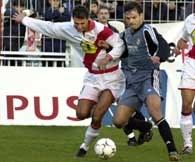 Morientes (z prawej) strzelił dwie bramki w meczu z Rayo Vallecano
