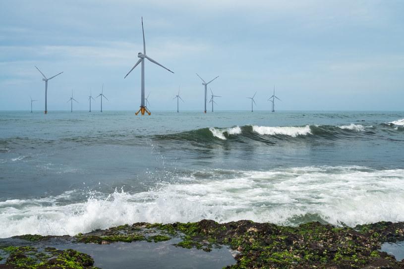 Morska farma wiatrowa, zdjęcie ilustracyjne /123RF/PICSEL