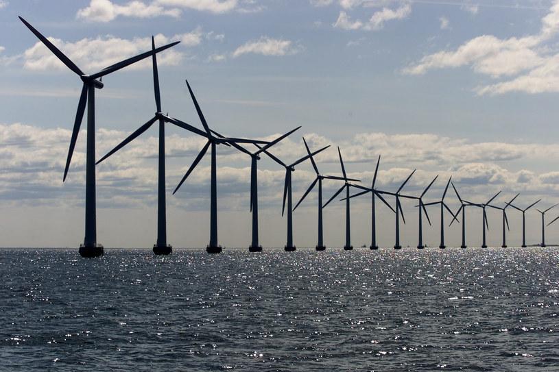 Morskie farmy wiatrowe uzyskają rządowe wsparcie /East News