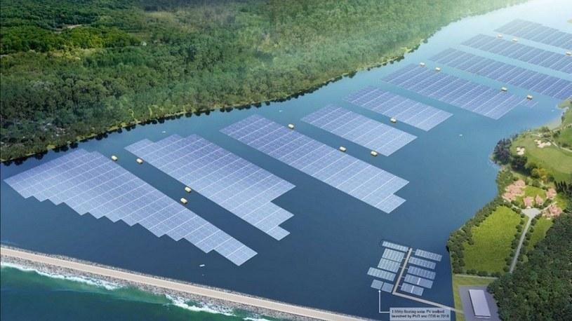 Morza, rzeki i jeziora zaczynają zmieniać się w gigantyczne farmy solarne /Geekweek