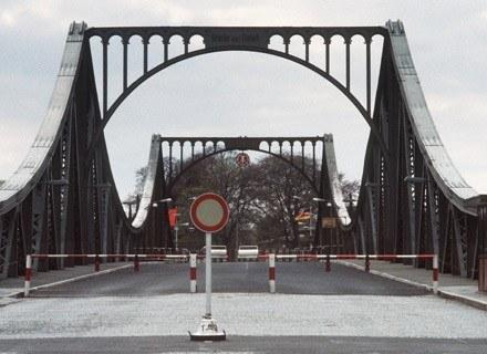 Most Glienicke, gdzie USA i ZSRR wielokrotnie wymieniały złapanych szpiegów /AFP