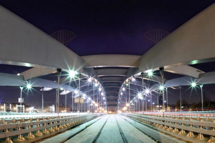 Most Kotlarki nocą /Agnieszka Wojtuń /materiały prasowe