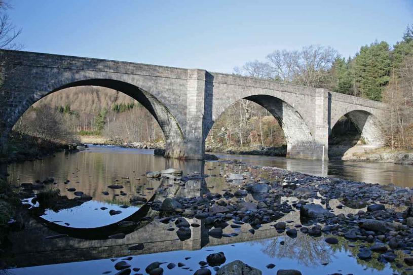 Most na rzece Dee /123RF/PICSEL