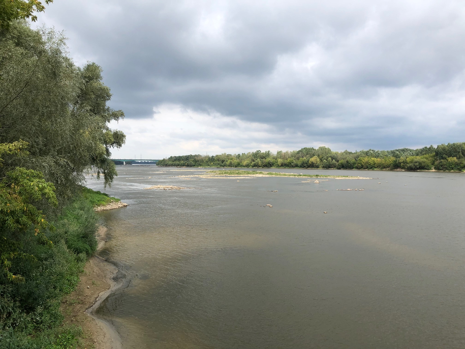 """Most pontonowy umożliwi transport ścieków do oczyszczalni """"Czajka"""" /Michał Dukaczewski /RMF FM"""
