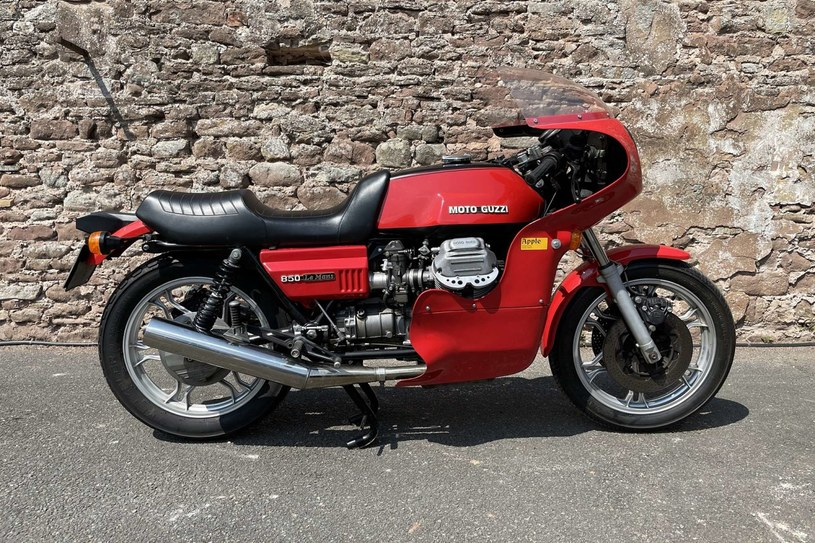 Moto Guzzi Le Mans Mk1 /