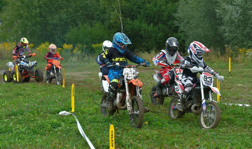 Motocross to niebezpieczny sport, a jego naukę zaczynają już kilkuletnie dzieci / fot. ilustracyjne /Piotr Płaczkowski /Reporter