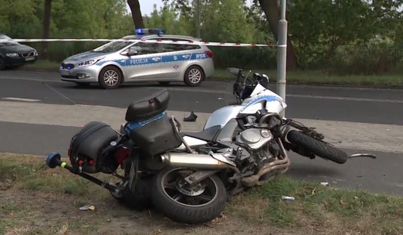 Motocykl, którym poruszał się policjant /