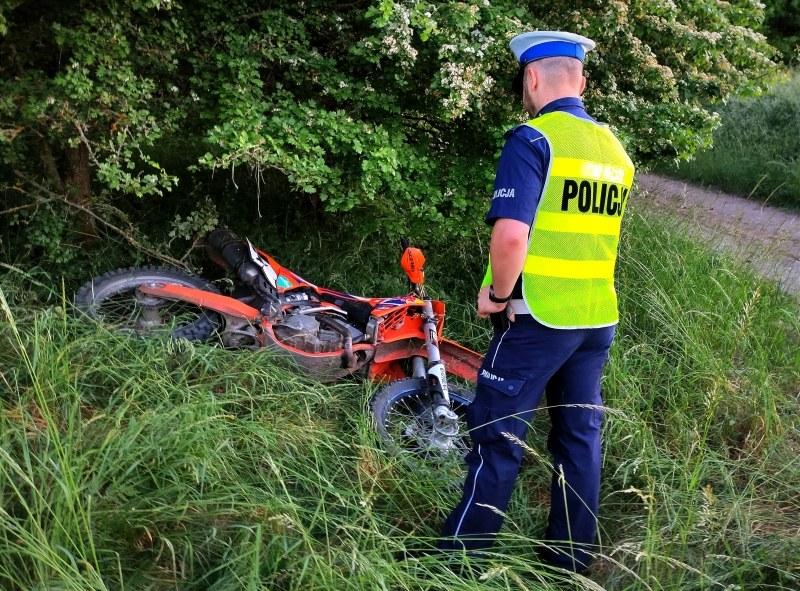Motocykl spadł z nasypu kolejowego /Policja