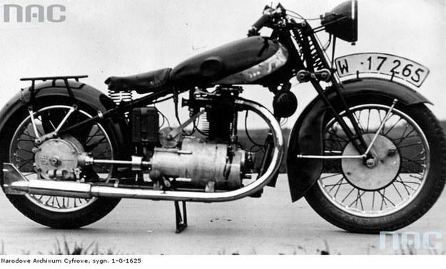 Motocykl sportowy sm 500 /Z archiwum Narodowego Archiwum Cyfrowego
