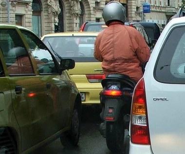 Motocyklem w lusterko