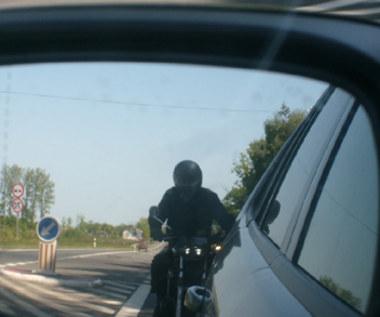 Motocykliści z linką na szyi?