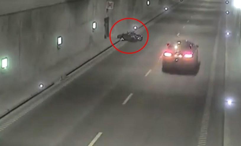 Motocyklista leżał obok skutera. Nikt się nie zatrzymał /