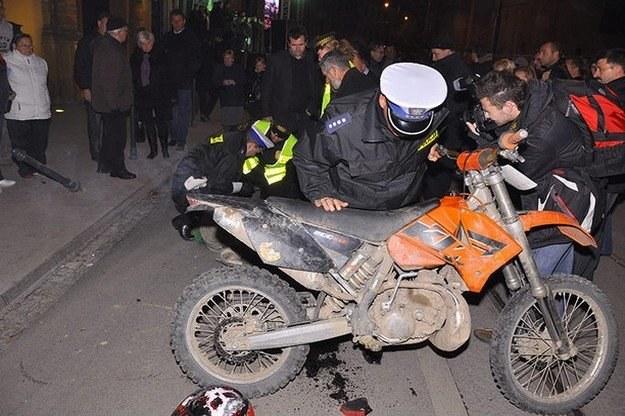 Motocyklista potrącił kobietę i próbował uciekać /RMF