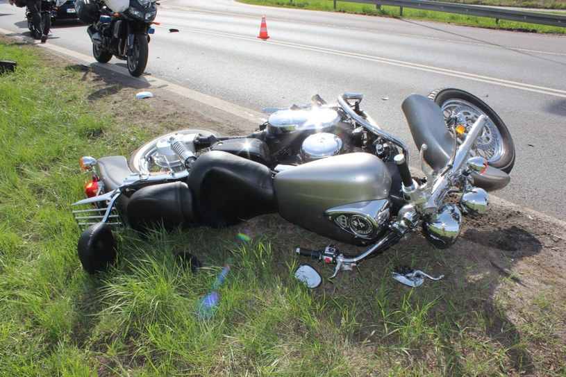 Motocyklista trafił do szpitala /Policja
