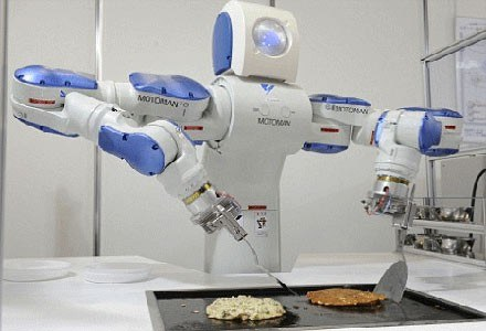 Motoman SDA10 - robot serwujący sushi /materiały prasowe