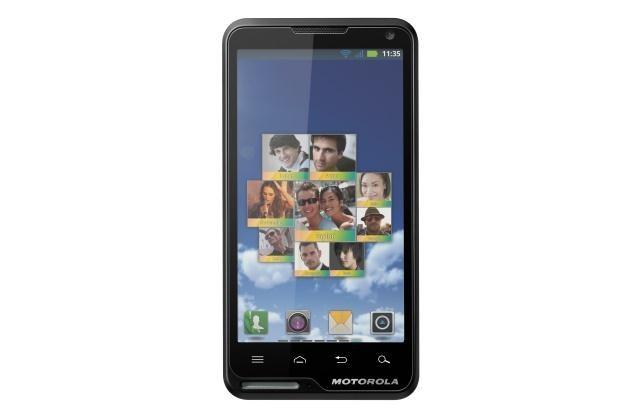Motorola Motoluxe to niedrogi smartfon z dużym ekranem /materiały prasowe