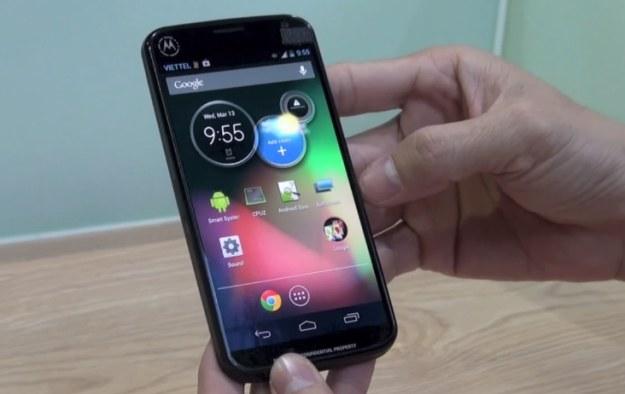 Motorola XT912A.  Fot. Tinhte.vn /Internet