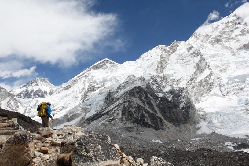 Mount Everest nie jest tak dziewiczym terenem, jak mogłoby się wydawać /David Cheskin/PA Images via Getty Images /Getty Images