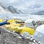 Mount Everest. W obozie pod Mount Everest co najmniej 100 zakażonych
