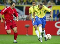 """Mourinho mówi o nim """"prawdziwy Ronaldo"""". Nie do podrobienia miał też fryzurę"""