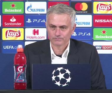 Mourinho tłumaczy się z prowokacyjnego gestu. Wideo