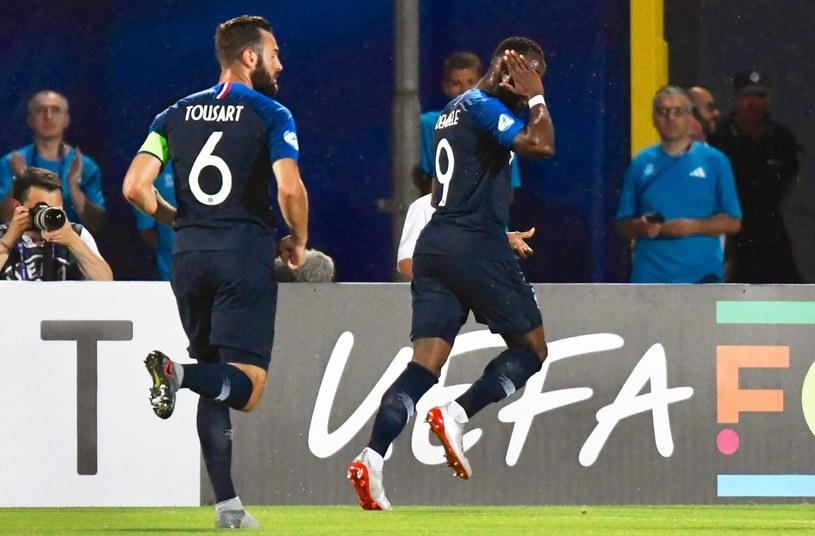 Moussa Dembélé cieszy się z gola dla Francji w meczu z Chorwacją /PAP/EPA